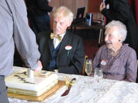 Tom, Jean and the cake